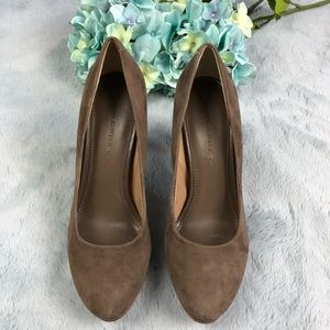BANANA REPUBLIC Taupe Suede High Heels - Size 7.5